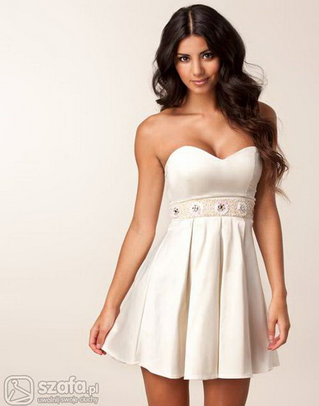 Rozkloszowana tiulowa sukienka z wyjątkową górą w kolorze