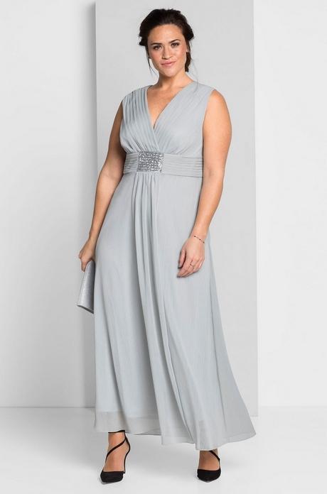 Wieczorowe sukienki na wesele dla mamy narzeczonej